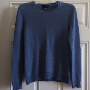Lord & Taylor 💯% Cashmere Cornflower Blue Sweater